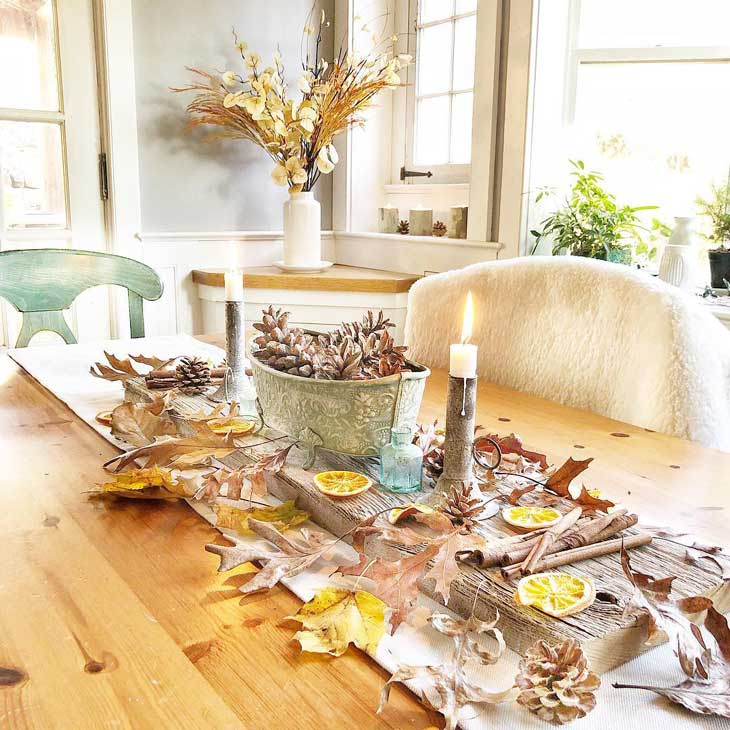 fall table decor with leaves