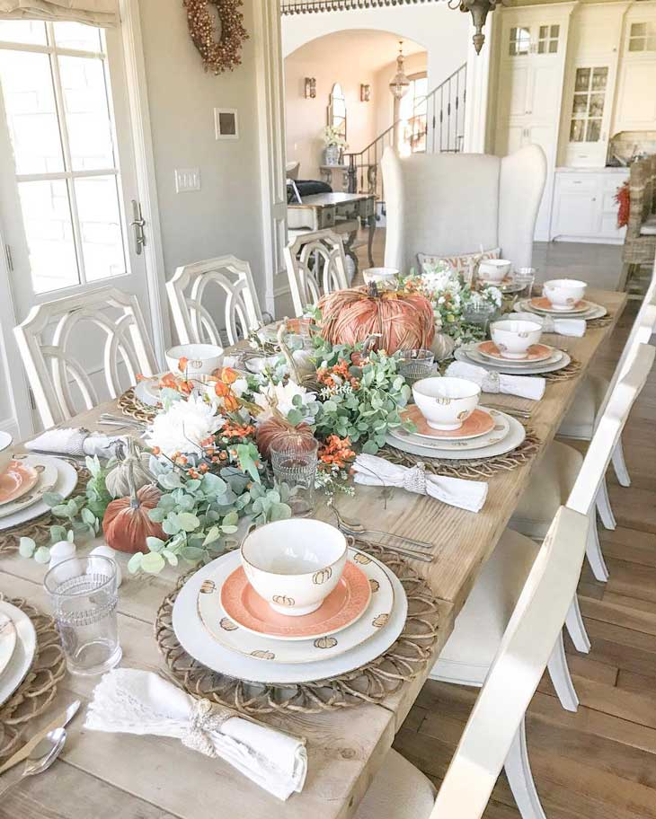 dining table thanksgiving decor