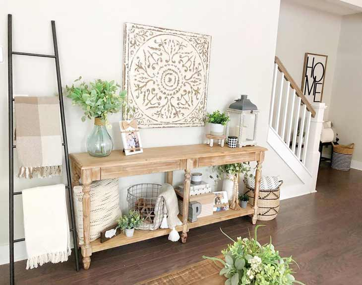 pinewood entryway table decor and blanket ladder