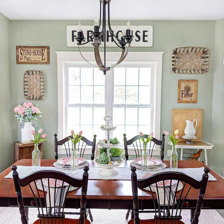 dining room decor with tobacco baskets