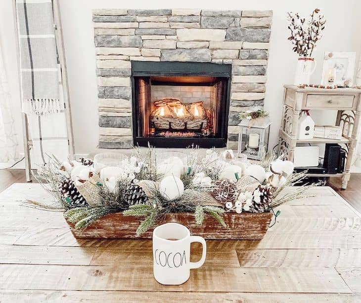 Coffee table Christmas centrepiece