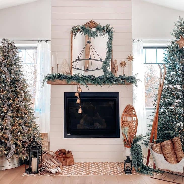 Garland decorated mantel, mantel with winter decor