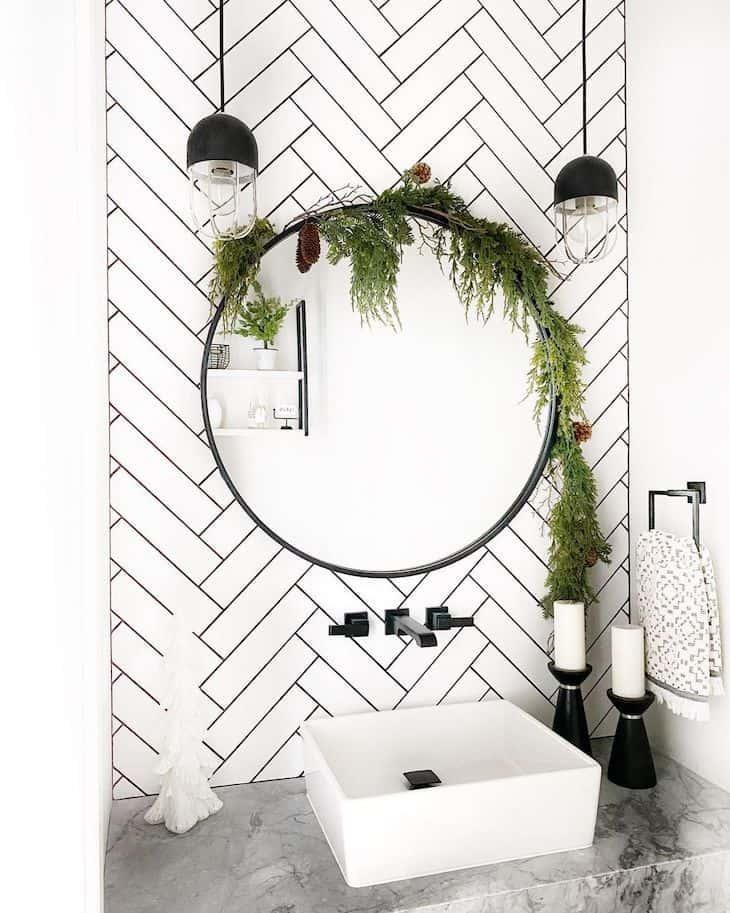 Bathroom Christmas decor with garland