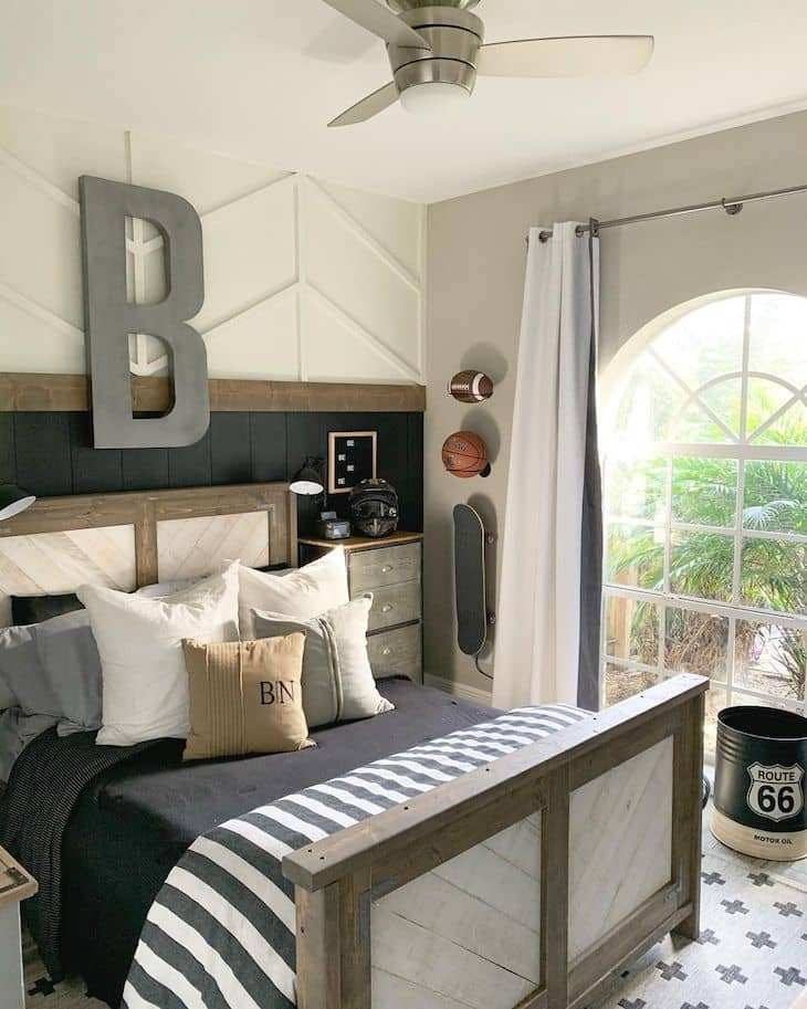Kids room accent wall