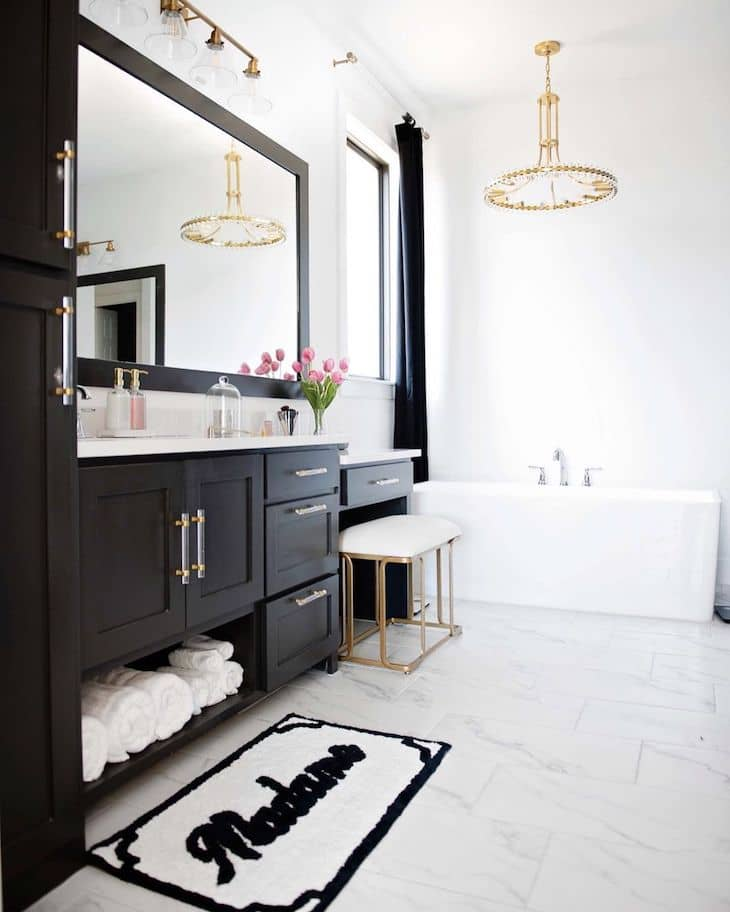 """Bathroom vanity in Iron Ore, and wall color in """"extra white"""""""