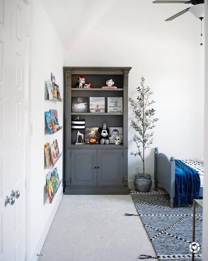 Grey hutch as toy storage in kids room