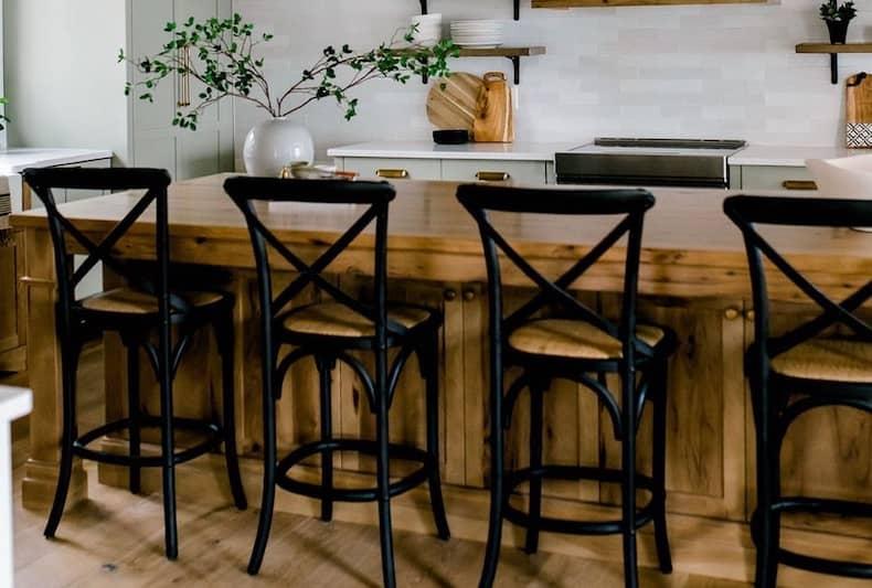 Beautiful Farmhouse Bar Stools For Your Kitchen Farmhousehub
