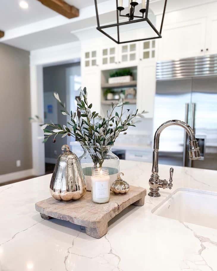 Modern farmhouse kitchen centerpiece decor