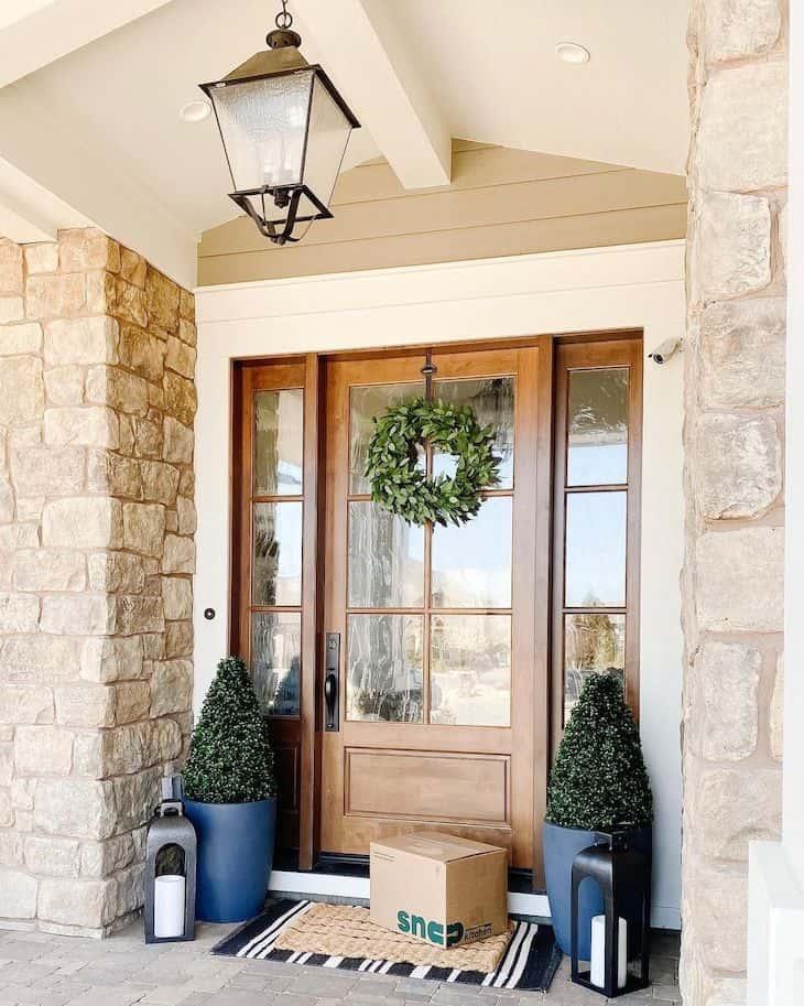 Front door decor for all seasons