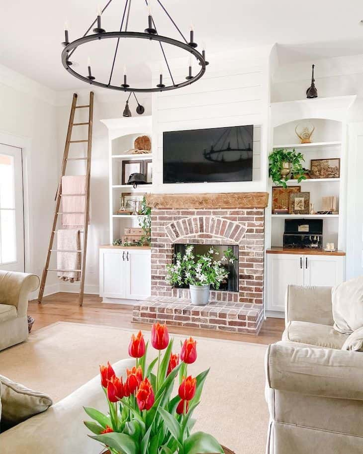 Alabaster white walls and Simply White trim