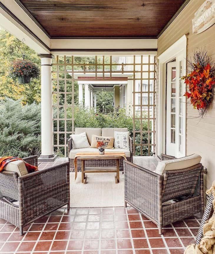 Back patio fall decor